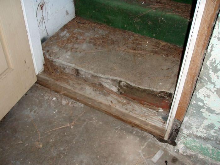 flooded basement stairways